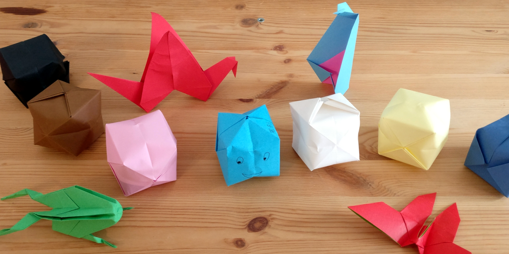 Pictures of multiple origamis boxes and animals